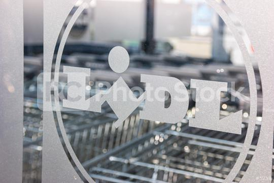 AACHEN, GERMANY JANUARY, 2017: LIDL supermarket chain Logo with Shopping carts. LIDL is a German global discount supermarket chain, based in Neckarsulm, Baden-Wuerttemberg, Germany.  : Stock Photo or Stock Video Download rcfotostock photos, images and assets rcfotostock | RC-Photo-Stock.:
