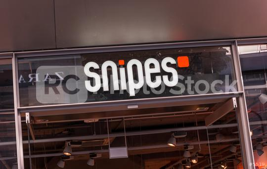 COLOGNE, GERMANY OCTOBER, 2017: Snipes logo on a store. Snipes SE is a german retail-clothing company, known for streetwear and Sneaker founded 1998 in Cologne germany.    : Stock Photo or Stock Video Download rcfotostock photos, images and assets rcfotostock | RC-Photo-Stock.:
