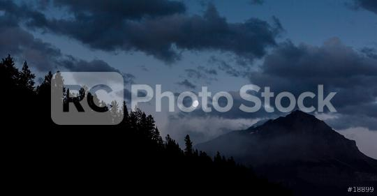 Moonrise at the Rocky mountains in the banff national park canada   : Stock Photo or Stock Video Download rcfotostock photos, images and assets rcfotostock   RC-Photo-Stock.: