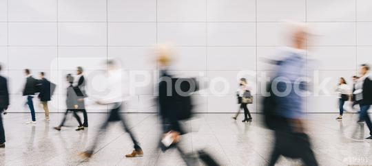 Viele Leute gehen auf einem Flughafen auf Reisen  : Stock Photo or Stock Video Download rcfotostock photos, images and assets rcfotostock   RC-Photo-Stock.: